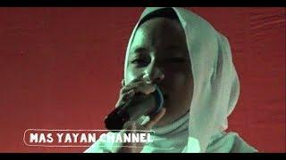Video Qomarun Cover Mustofa Atef Voc Nissa Sabyan LIVE UGM JOGJA MP3, 3GP, MP4, WEBM, AVI, FLV Juni 2018