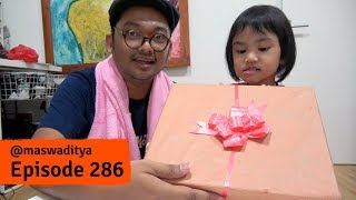 Video Buka Kado dari Team Cican - Kamar jadi kayak Kapal Pecah! MP3, 3GP, MP4, WEBM, AVI, FLV Februari 2018