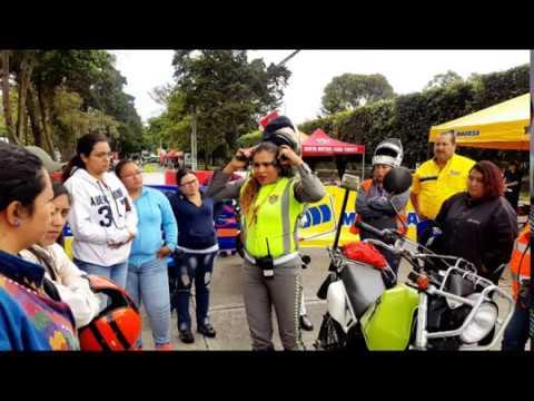 Mujeres motoristas participan en Tacones y Ruedas
