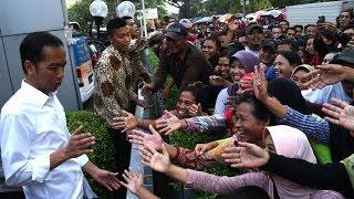 Video Terharu, Jokowi Mendapat Kejutan Lagu Selamat Ulangtahun Oleh Warga Sukabumi. MP3, 3GP, MP4, WEBM, AVI, FLV Juli 2018
