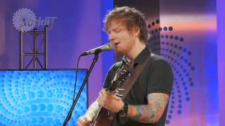 Ed Sheeran Performs Small Bump Live For The House Of Hits