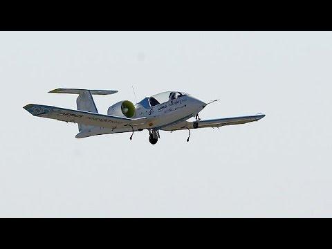 Ιστορική πτήση πάνω από το κανάλι της Μάγχης με ηλεκτρικό αεροπλάνο
