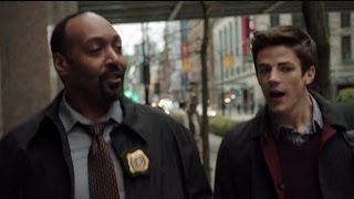 Download Lagu The Flash - Jesse L. Martin Talks Detective Joe West Mp3
