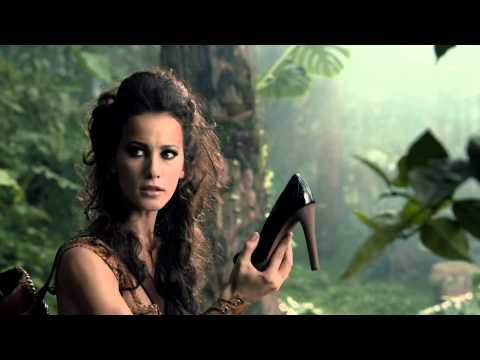 Sarenza - LA JUNGLE ❤ Nouveau spot TV de SARENZA.COM, le plus grand magasin de CHAUSSURES en ligne en Europe : http://www.sarenza.com ! ❤ Adopte la TENDANCE JUNGLE ❤...