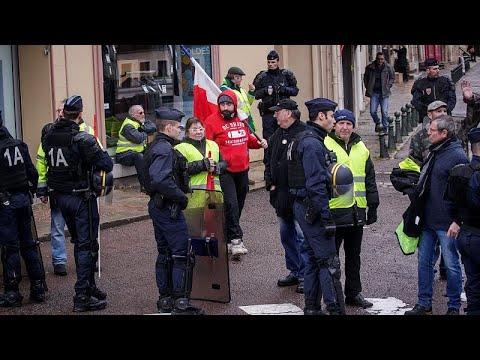Frankreich: Gelbwesten protestieren wieder in mehrere ...