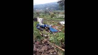 Download Video Lagi... Detik detik kecelakaan maut.. Jaluk puncak MP3 3GP MP4