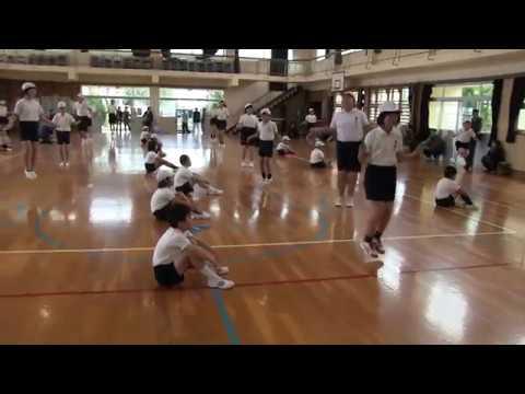 種子島の学校活動:現和小学校なわとび集会