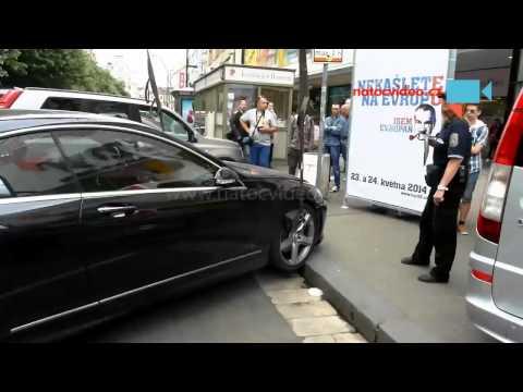 Městská policie v akci aneb když to neklapne složíme to zase na zem a ujedeme ...Praha Národní třída 28.4.2014