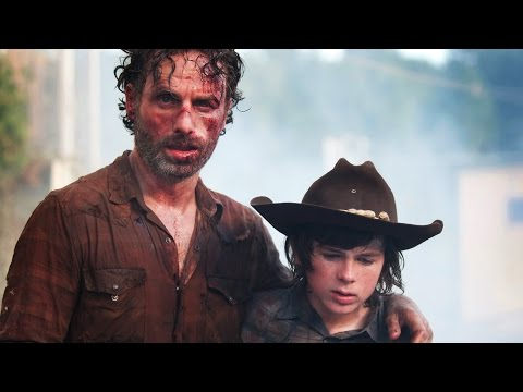 Lincoln - The Walking Dead stars on Rick and Carl's stories in Season 5.