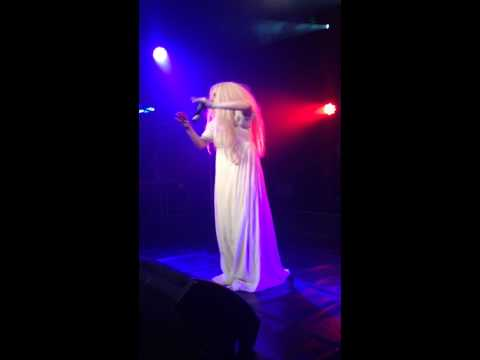 0 Lady Gaga Strips Completely Naked Onstage In London