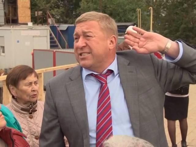 Мэр Калининграда провёл экскурсию для ветеранов восстановления города