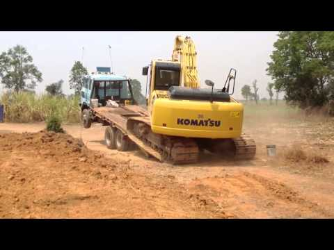 KOMATSU Excavator PC200-8 loading on tag trailer suttana