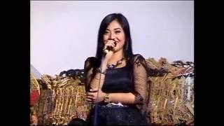 Video Limbuk Cangik Bintang Tamu Artis Dangduth Top  Deviana Safara Ki Dalang Mito Dharsono MP3, 3GP, MP4, WEBM, AVI, FLV Desember 2018