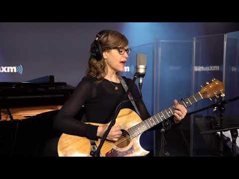 Lisa Loeb - quotI Doquot Art amp Soul with Caroline Jones