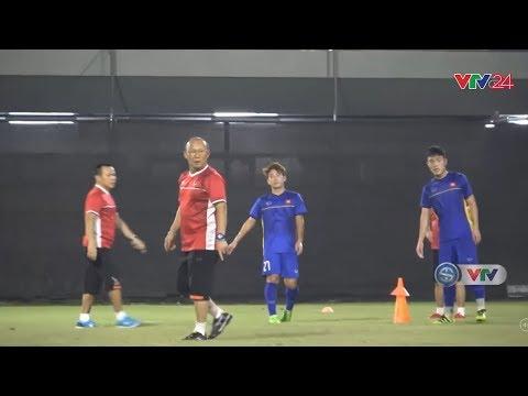 ASIAD 2018: Olympic Việt Nam tập luyện trước trận gặp Olympic Bahrain | VTV24 (видео)