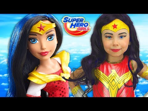 Super Hero Girls Kids Makeup Alisa Draw a toddler doll with Colors Paints Cosplay for Little Heroes