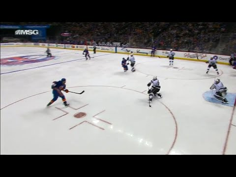 Video: Islanders' Tavares pump fake power play goal ties Kings
