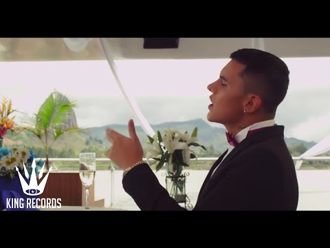 Descargar download mp4 hd Kevin Roldan - Me Tienes Loco - Video Oficial 2016