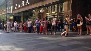 Video La Bamba @ Pitt Street Mall Sydney MP3, 3GP, MP4, WEBM, AVI, FLV Agustus 2018