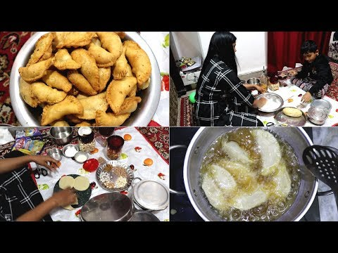 Holi Ki Taiyari || Making Gujiya || Desi style gujiya recipe || Late night vlog ||Indian vlogger2019
