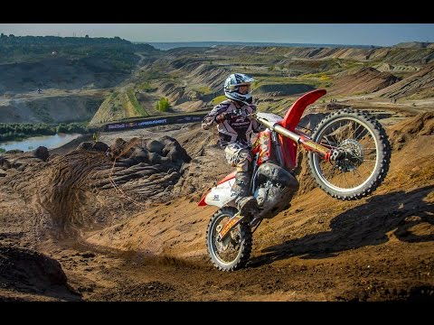 RED - CLICK CC for English!!! The biggest Hard Enduro race in Poland kicked off with nearly 500 riders at the start, taking the country's best Hard Enduro racers through the ruins of an abandoned...