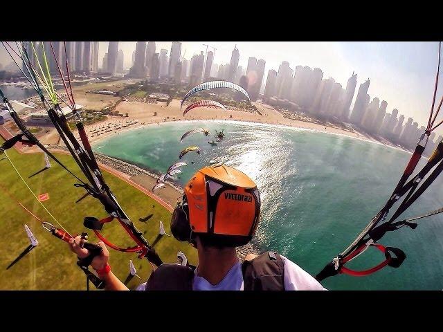 Du lịch vòng quanh thành phố Dubai bằng dù, cực kì thú vị