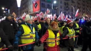 Wstrętne zachowanie zwolenników PiS obok marszu Stop dewastacji.