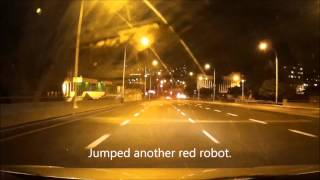 Video BMW driver jumping red robots in Cape Town MP3, 3GP, MP4, WEBM, AVI, FLV Oktober 2017