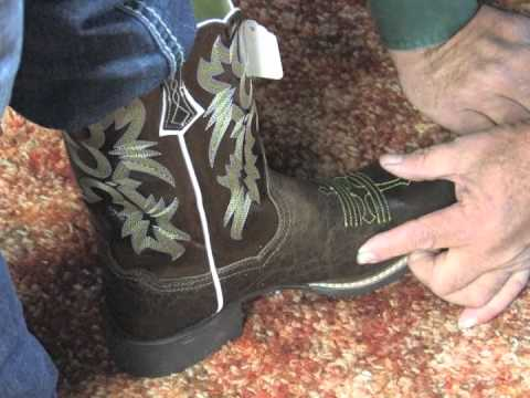 Fitting Your Western Boots & Jeans