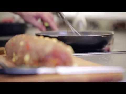 Sekaná pečeně se sýrem a šťouchanými bramborami