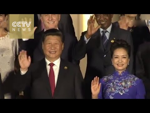 President Xi Jinping And His Wife, Peng Liyuan, Welcome World Leaders Arriving For The Banquet
