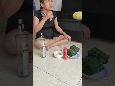 Khi em gái tự sướng uống rượu