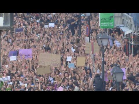 Spanien: Massenproteste und hitzige Diskussionen wege ...