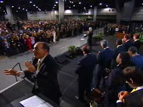 Benny Hinn - Worship from Miracle Service (Atlanta)