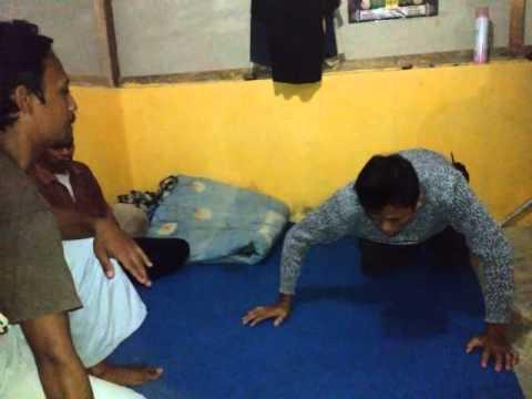 Komunitas Tembus Pandang  ( Jin Suruhan ) (видео)