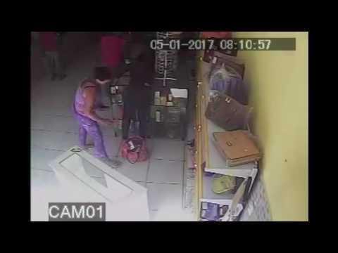 Câmeras de segurança registram exato momento de assalto a estabelecimento comercial em Canapi