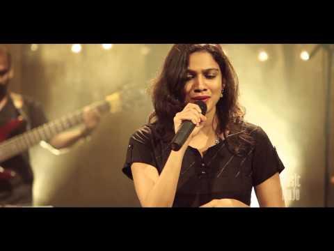 Video Inhi Logo Ne Le Liya Dupatta Mera by Gayatri   Music mojo   Kappa TV download in MP3, 3GP, MP4, WEBM, AVI, FLV January 2017