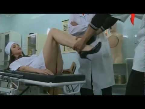 新進員工要護士躺在躺椅上 然後...