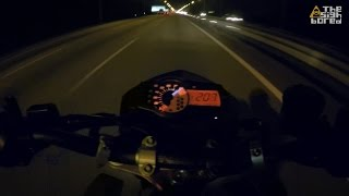 2. KTM Duke 690R top speed