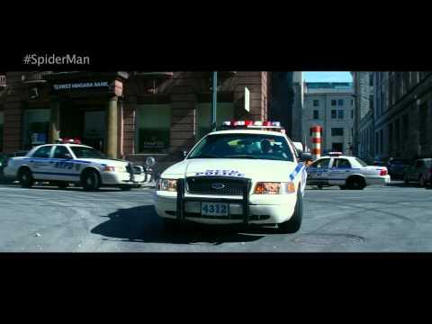 The Amazing Spider-Man 2 (Clip 'Neighbourhood Ornament')