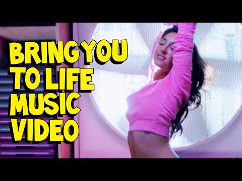 Steve Aoki & Rune RK feat. RAS – Bring You To Life (Transcend)