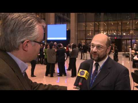 EUX.TV - http://eux.tv/2010/10/eu-summit-sees-friction-on-budget-euro-rules/ Martin Schulz, President of the European parliament group of Socialists and Democrats, ta...