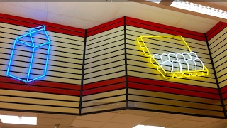 Original GIANT FOOD STORE w/ VINTAGE NEON in Baltimore, Maryland