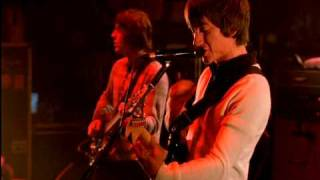Arctic Monkeys - I Bet You Look Good On The Dancefloor (Live at The Apollo)