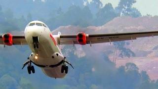 Pesawat Terbang ATR 72 Wings Air Take Off (Pesawat Terbang Indonesia)