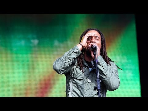 Video The Wailers - Is This Love at Glastonbury 2014 download in MP3, 3GP, MP4, WEBM, AVI, FLV January 2017