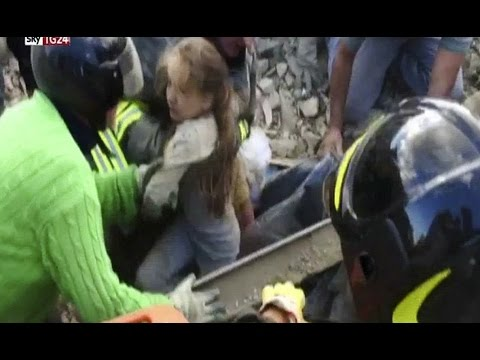 Video Dramatic Moment Girl 10 Years Rubble After 17 HOURS Trapped Italian Debris Of Earthquake