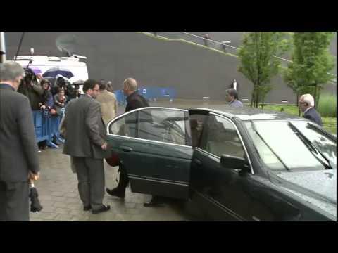 Η άφιξη του Γ. Βαρουφάκη και του Ευ. Τσακαλώτου στο Eurogroup