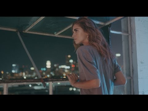 blonde - The Blonde Salad video story continues.. Watch Chiara Ferragni rocking the nights in Los Angeles as a new Yves Saint Laurent Black Opium dose is unvealed http://www.theblondesalad.com Direction...