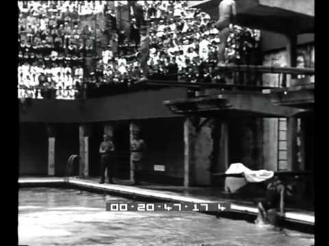 Bologna: tuffo dal trampolino